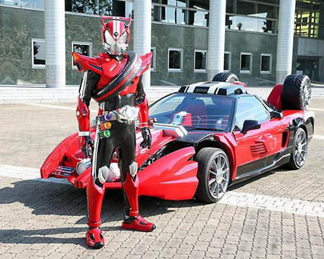 Kamen Rider Drive Appeals To All Ages With Supercar Stunts
